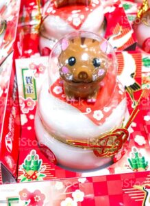 decorate your shop with a kagami mochi
